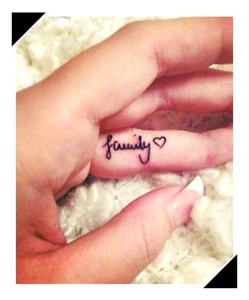 09-totalbeauty-logo-tiny-tattoos