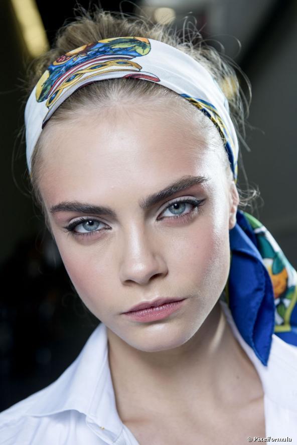 13838-le-bun-foulard-it-coiffure-de-l-ete-592x0-2