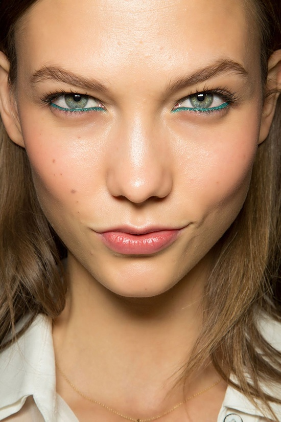 blue-under-eye-karlie-kloss