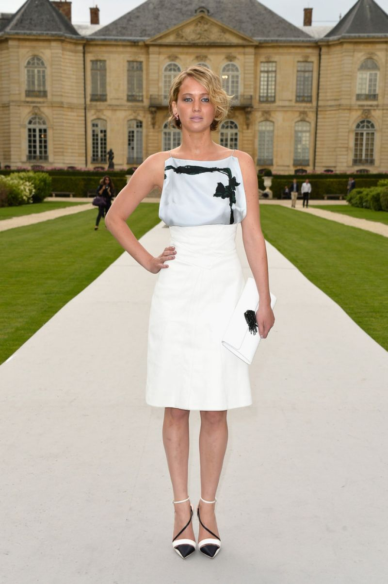 -jennifer-lawrence-at-christian-dior-fashion-show-in-paris-7-7-14_3
