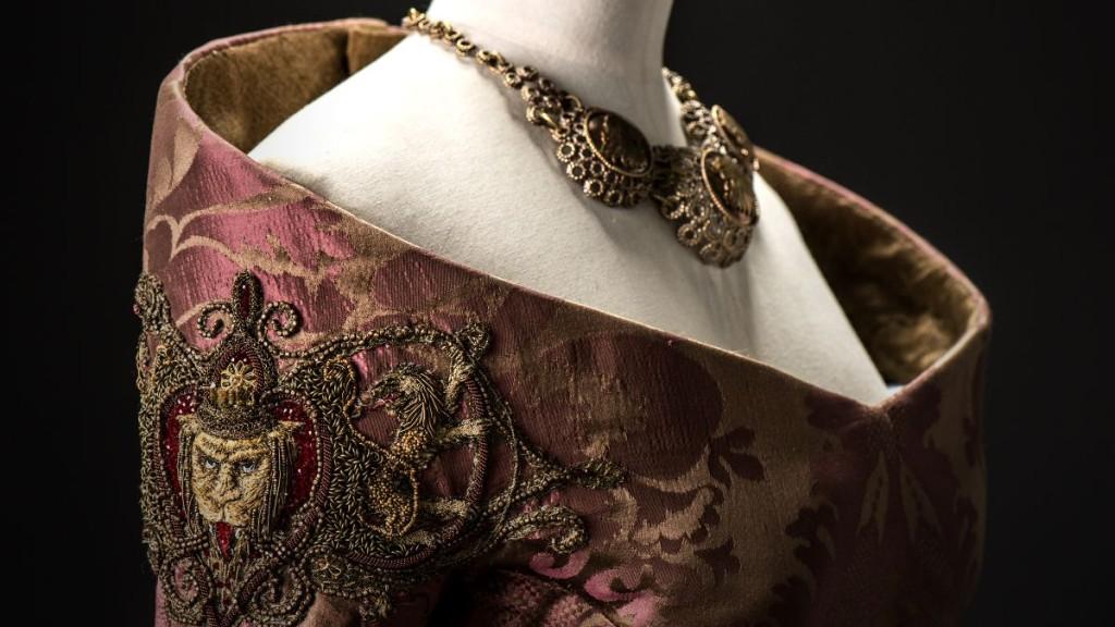 cersei-wedding-dress-1024x576