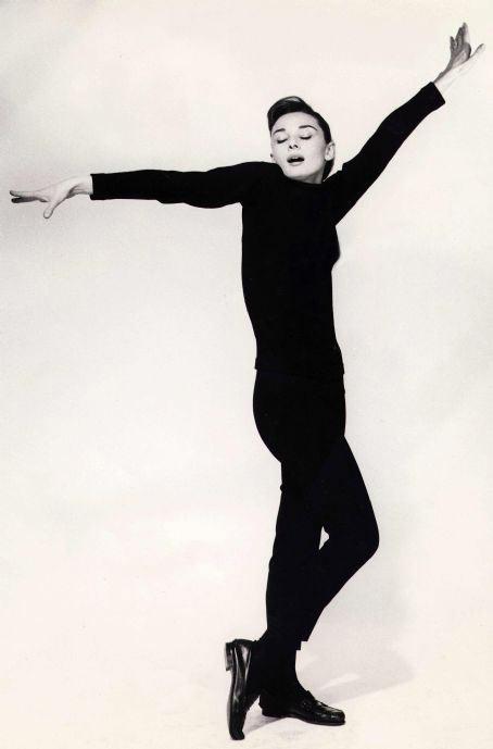 Audrey-Hepburn-Thismonths-style-icon-15