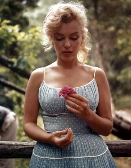 5-Marilyn-abito-a-pois