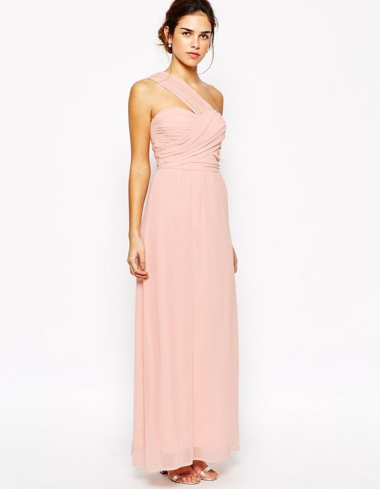 Il prossimo abito è il famosissimo Dior indossato da Jennifer Lawrence per  gli Oscar del 2014 e7c356c8ea9