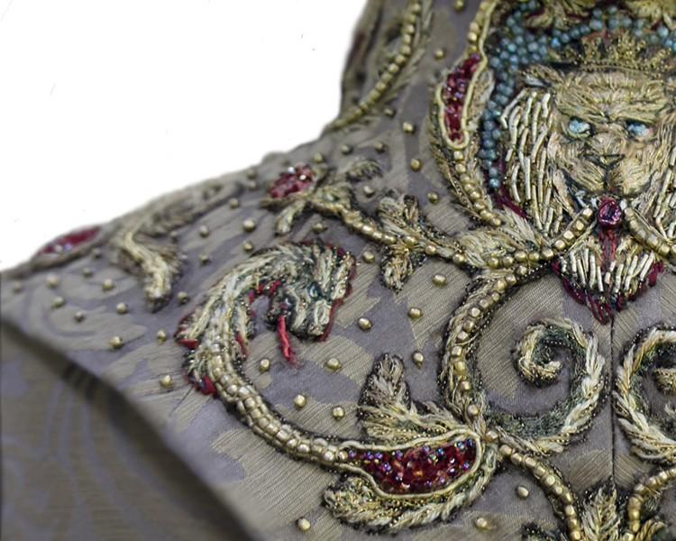 sansa-embroidery3