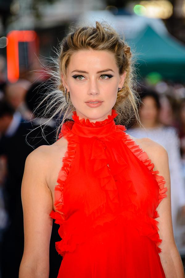 Amber-Heard-gown-European-Premiere-of-Magic-Mike-XXL-1
