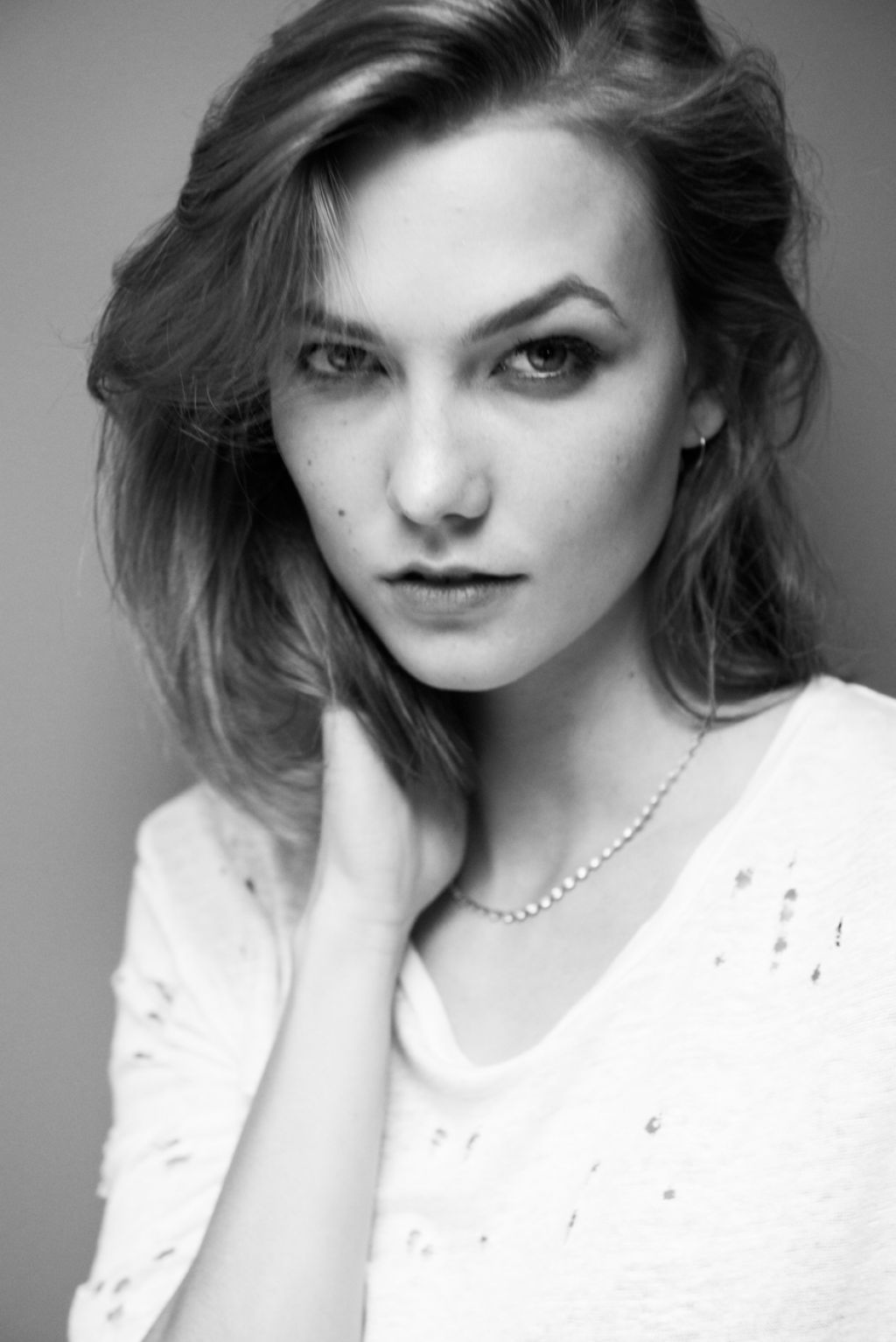 karlie-kloss-photoshoot-for-the-coveteur-2014-_3