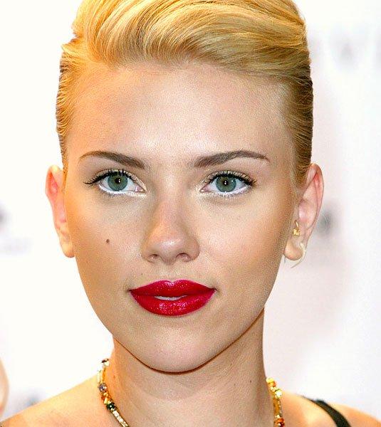 **cos-15-white-eyeliner-scarlett-johansson-de