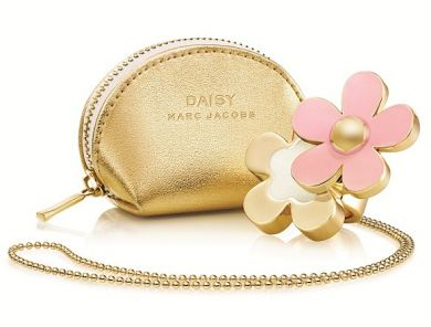 Marc Jacobs Daisy Solid Perfume NecklacePINK