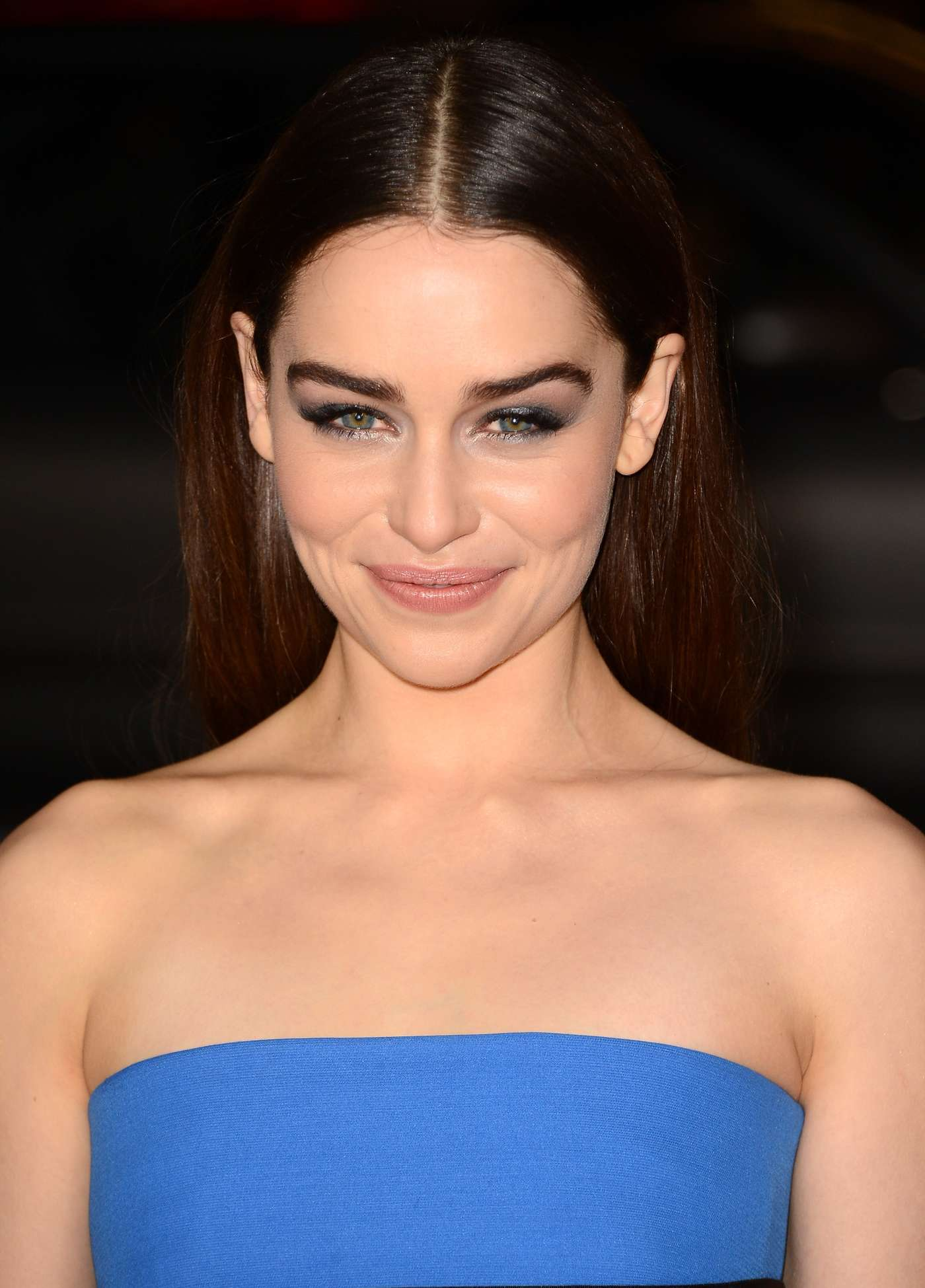 Emilia-Clarke---Premiere-Game-of-Thrones-season-3--02