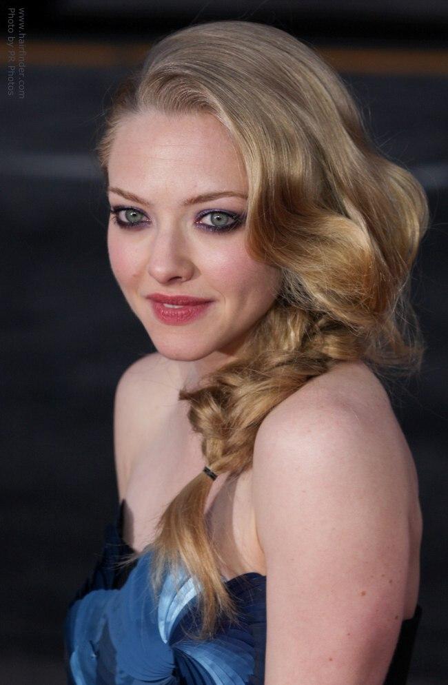 amanda-seyfried-hair-shoulder