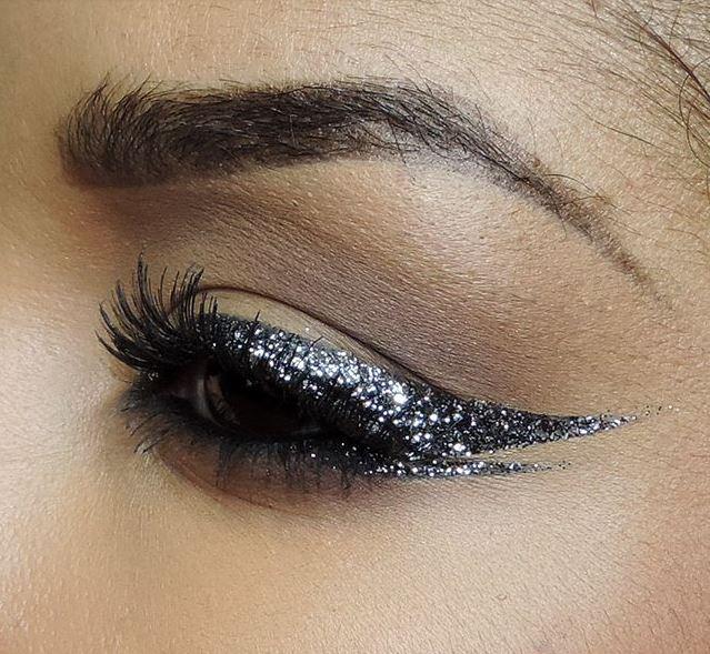 glitter-eyeliner
