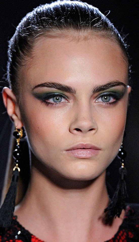 cara-delevingne-smokey-eye-makeup
