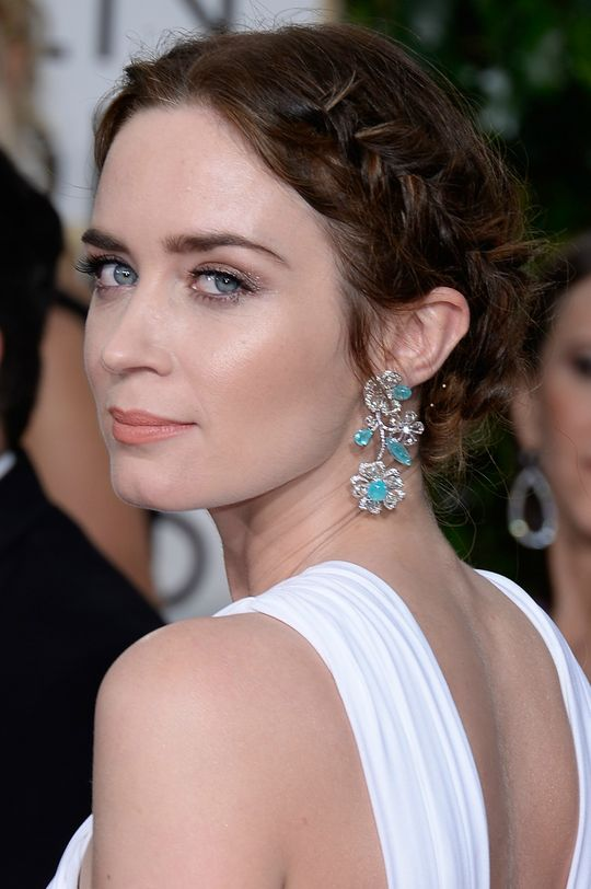 golden-globes-best-beauty-2015-emily-blunt-w540