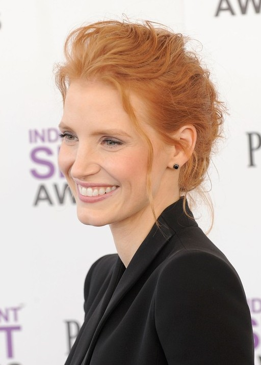 Jessica-Chastain-Loose-Bun