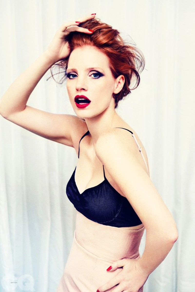 Jessica_Chastain_Sexy_Photoshoot_In_GQ_UK_Jan_20