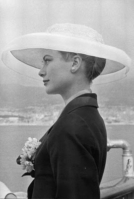 grace-kelly-arriving-in-monaco
