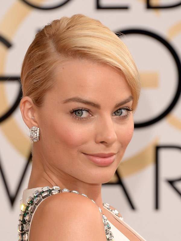 margot_robbie_golden_globes_2014_red_carpet