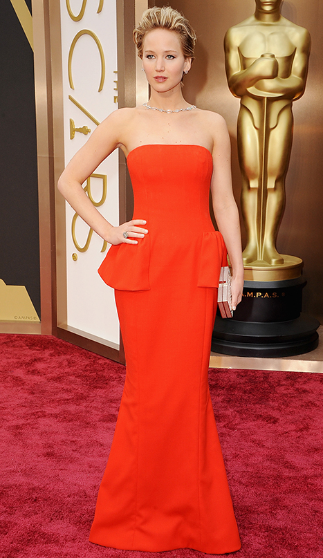 1393807555_jennifer-lawrence-oscar-gown-2014_1