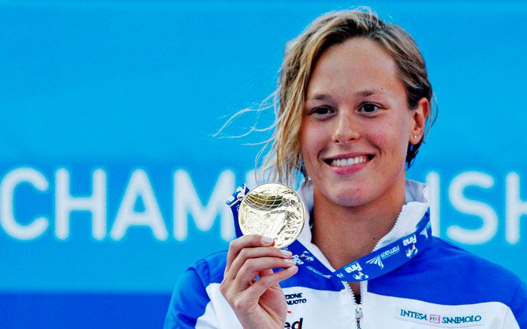 mondiali_nuoto_federica_pellegrini_medaglia_oro_mostra