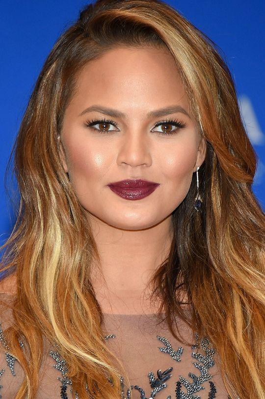 dark-lipstick-chrissy-teigen-w540