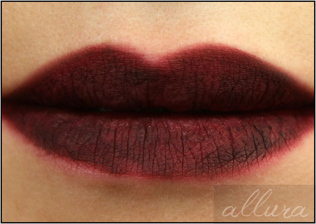 MAC Vamplify Pro Longwear Lip Pencil in Dark Out Applied_MAC-Vamplify-Pro-Longwear-Lip-Pencil-Dark-Out-Applied