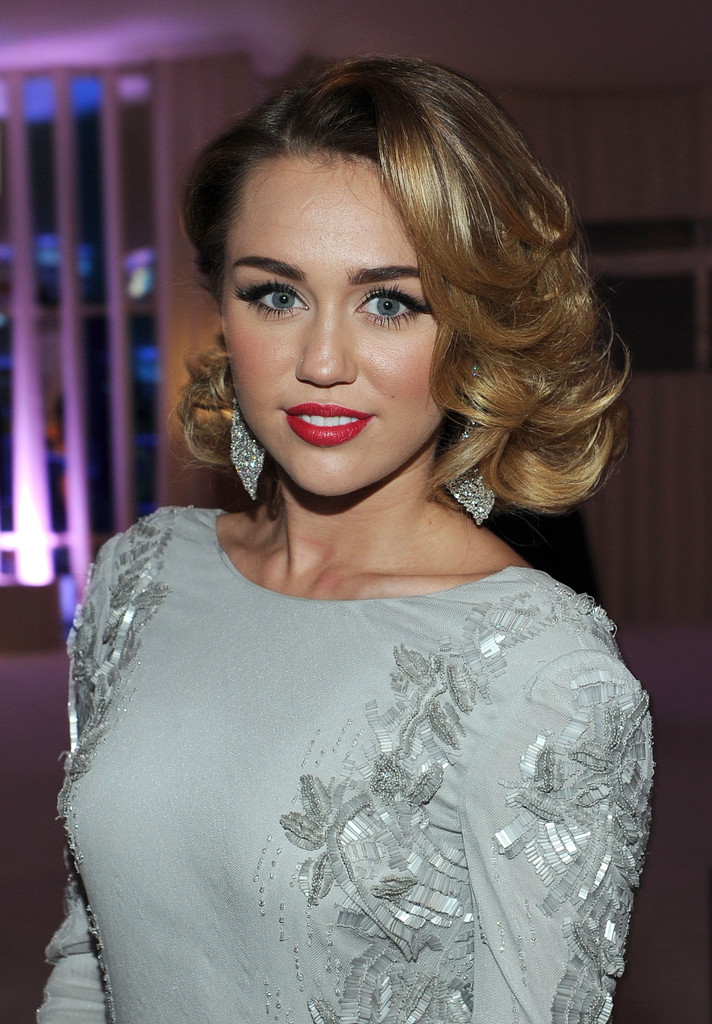 Miley+Cyrus+Shoulder+Length+Hairstyles+Medium+wVMf5Bs5kVpx