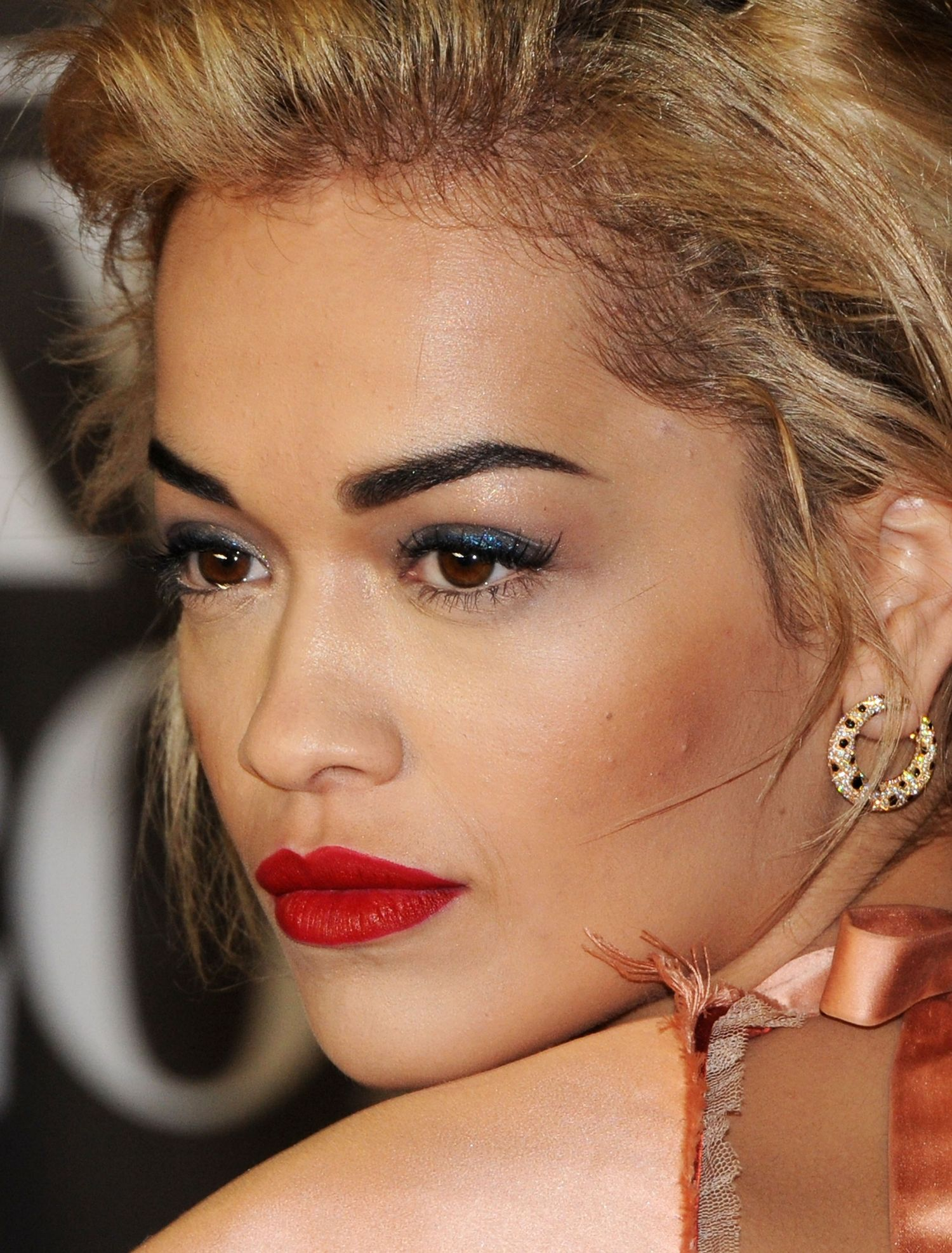 rita-ora-brit-awards-main