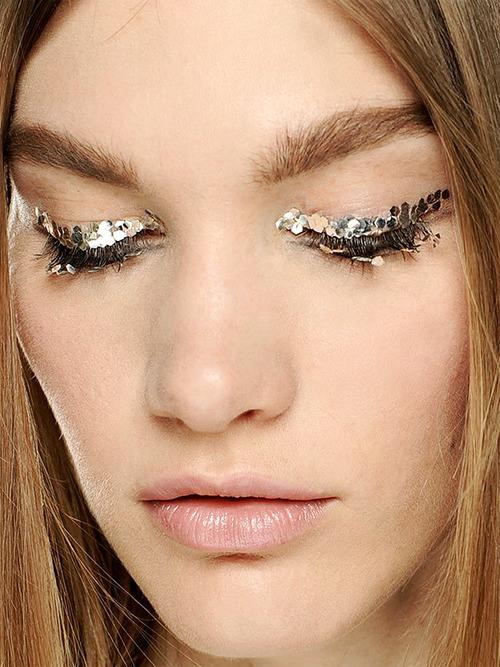 Chanel-glitter-liner-makeup-aw13-backstage