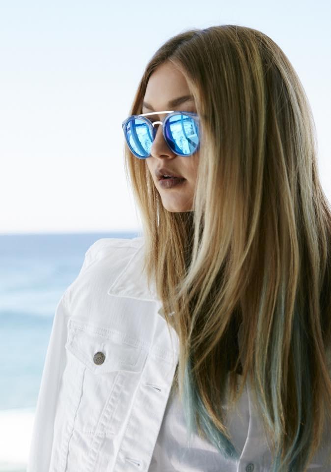 Gigi-Hadid-Blue-Hair-Ends