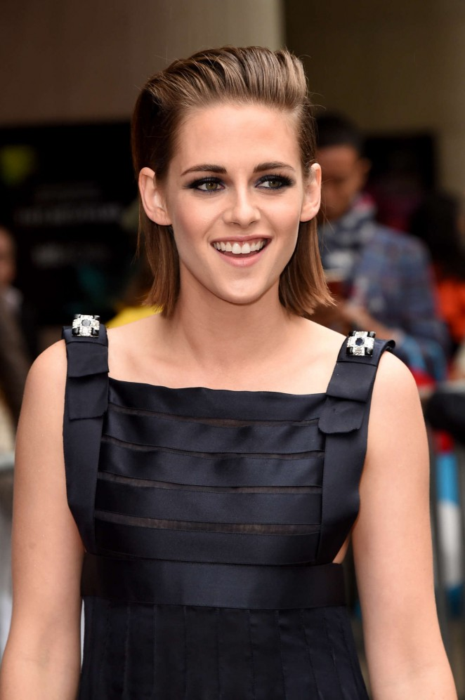 TIFF_Kristen-Stewart--Equals-Premiere-at-2015-TIFF--08-662x997