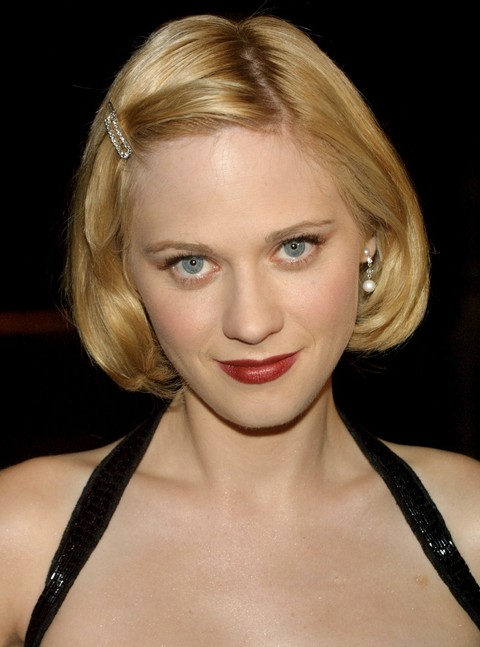 Zooey-Deschanel-Short-Hairstyle-Blonde-Bob