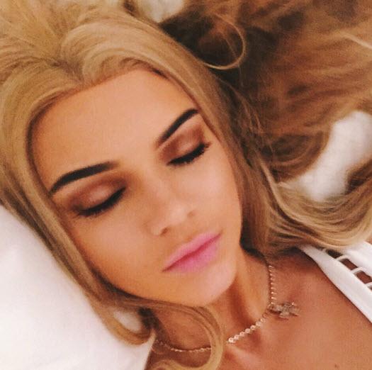 kendall-jenner-blonde-wig-eyes-shut