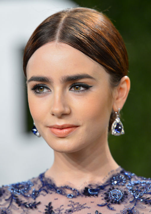 lily-collins-oscars-2013-updo-h724