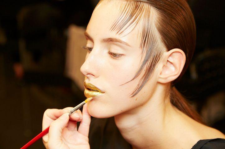 spring-2016-prada-gold-lips-5-w724