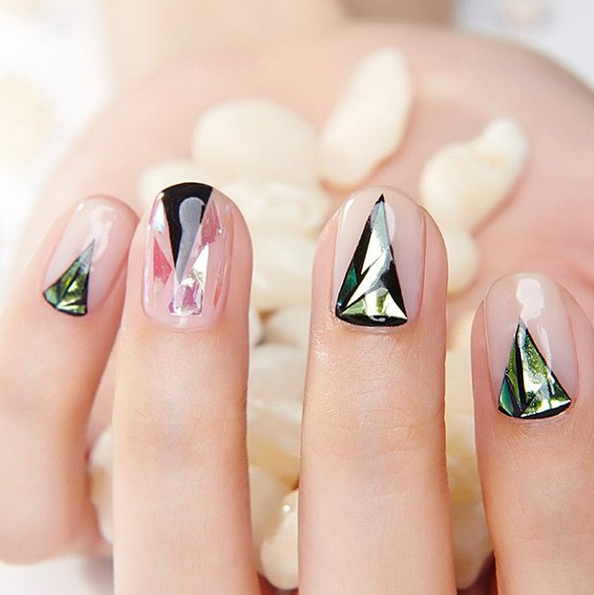 Glass-Nail-Aaart