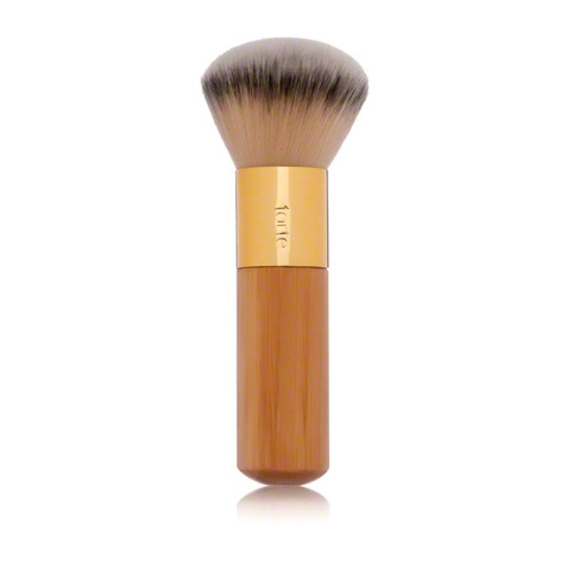 Cliomakeup-coolspotting-gigi-hadid-Tarte-Cosmetics-The-Buffer-Airbrush-Finish-Bamboo-Foundation-Brush