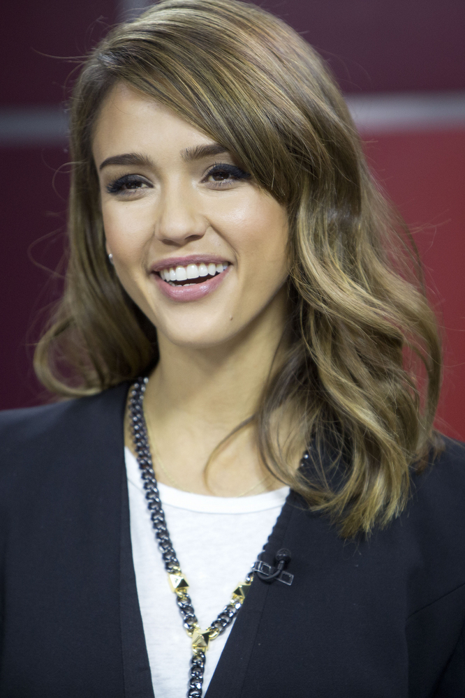 Jessica Alba Visits Global's The Morning Show to Talk About Her Company 'The Honest Company', Her New Book 'The Honest Life' and Her Upcoming Film 'Machete Kills' in Toronto on October 9, 2013