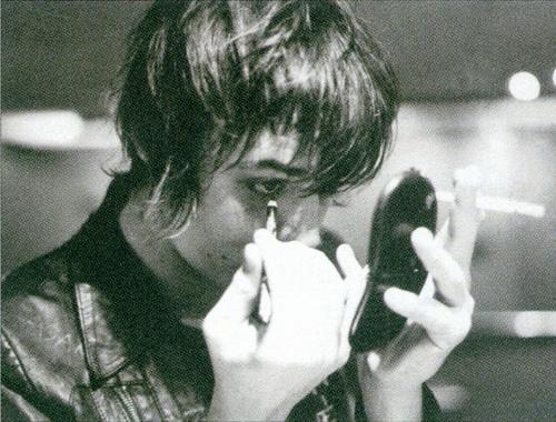Cliomakeup-uomini-eyeliner-ragazzi-matita-nera-occhi-Freddie-Mercury
