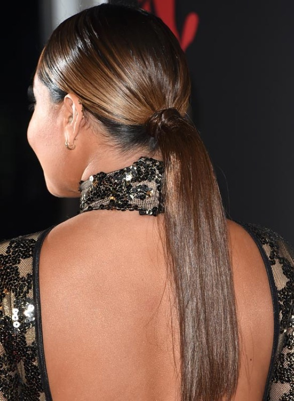 Cliomakeup-acconciature-capelli-lunghi-coda-liscia-bassa