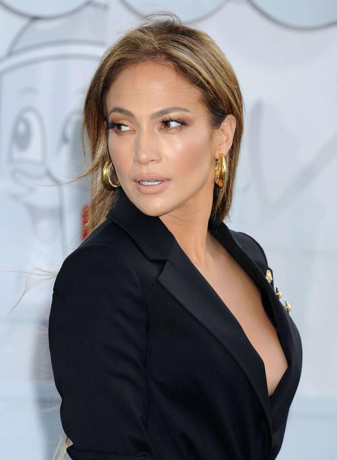 cliomakeup_anni90_jlo-Jennifer-Lopez--2015-MTV-Movie-Awards--13-662x903