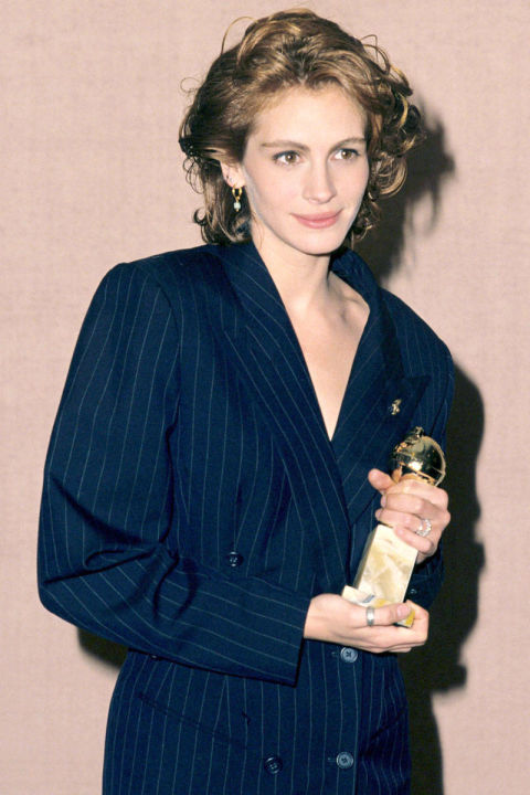 54a88eec88427_-_elle-23-julia-roberts-golden-globe-awards-1991-xln
