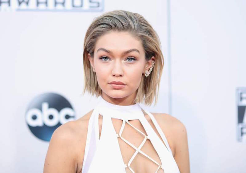 Cliomakeup-AMAS-red-carpet-beauty-look-Gigi-Hadid-COVER