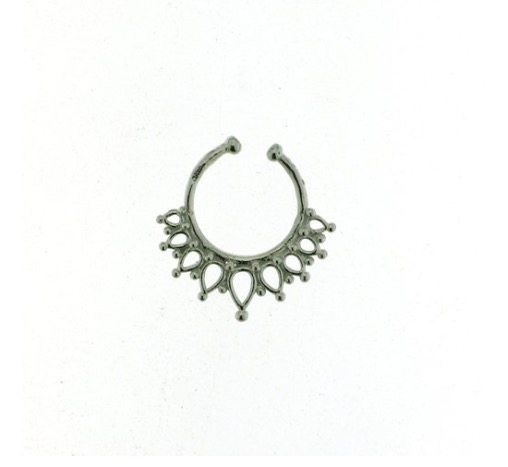 Cliomakeup-Piercing-vip-celebrity-septum-finto-anellino-naso-2