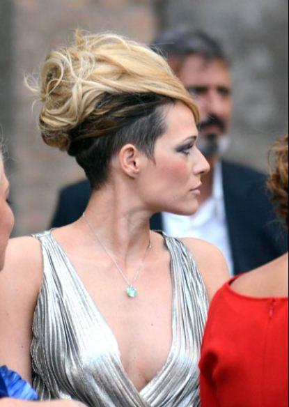 Nuovo-taglio-di-capelli-per-Laura-Chiatti-con-acconciatura-raccolta