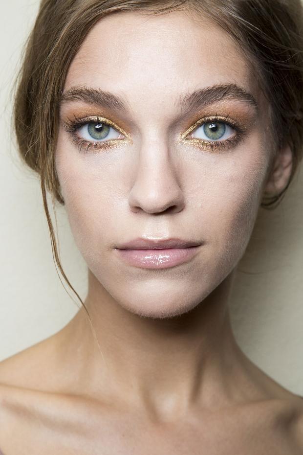 _cliomakeup_Elisabetta-Franchi-makeup-beauty-spring-summer-2015-backstage