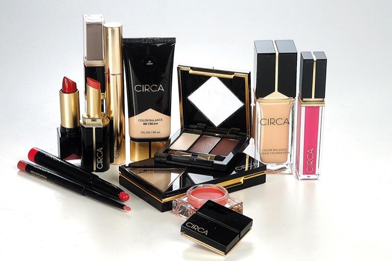 Cliomakeup-star-brand-makeup-case-cosmetiche-collaborazione-Eva Mendes-circa-beauty-styleblazer.com
