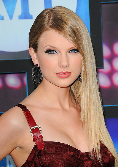 cliomakeup-side-swept-straight-hairstyle-for-2016