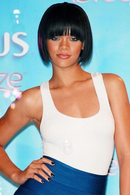 ClioMakeUp-Rihanna-coolspotting-look-capelli-make-up-trucco-capelli-2007