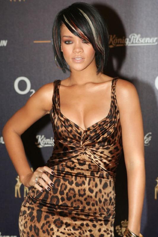 ClioMakeUp-Rihanna-coolspotting-look-capelli-make-up-trucco-capelli-2008_
